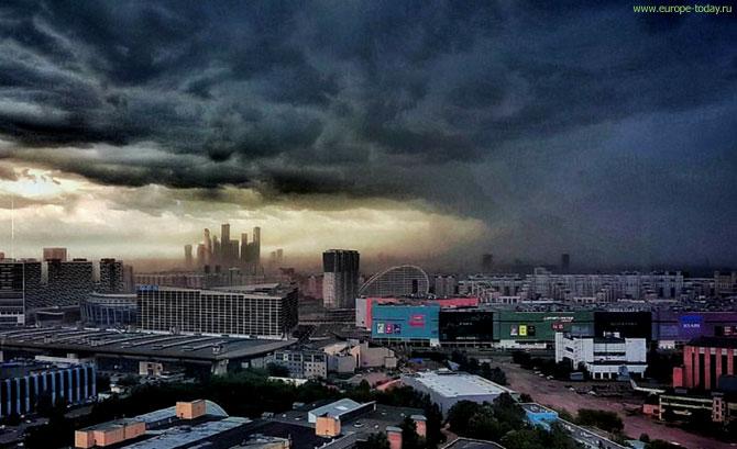 ураган в москве 29 мая фото